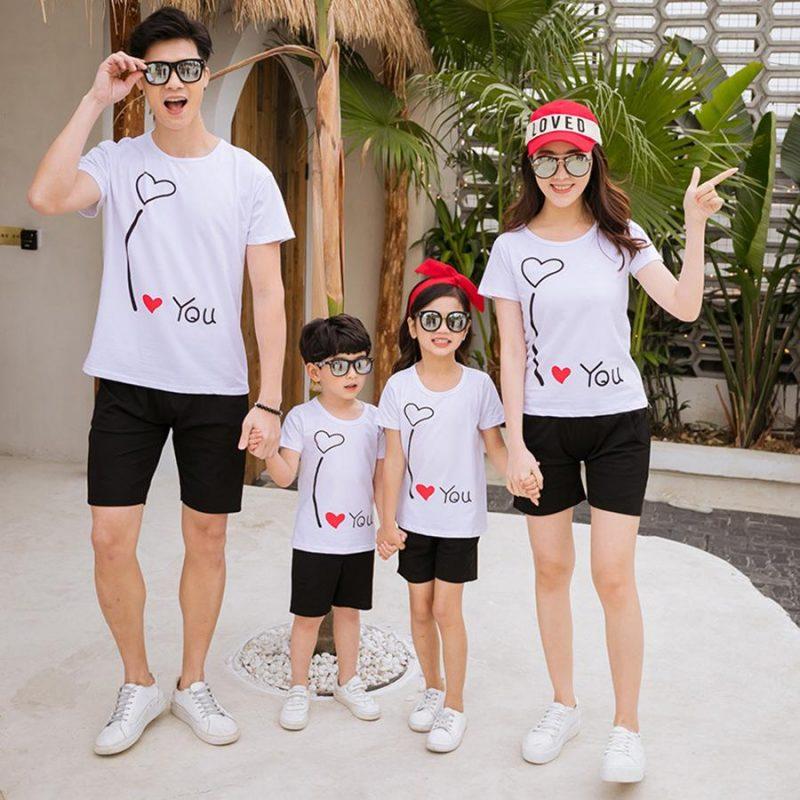 Mẫu đồng phục cho gia đình dễ thương 2